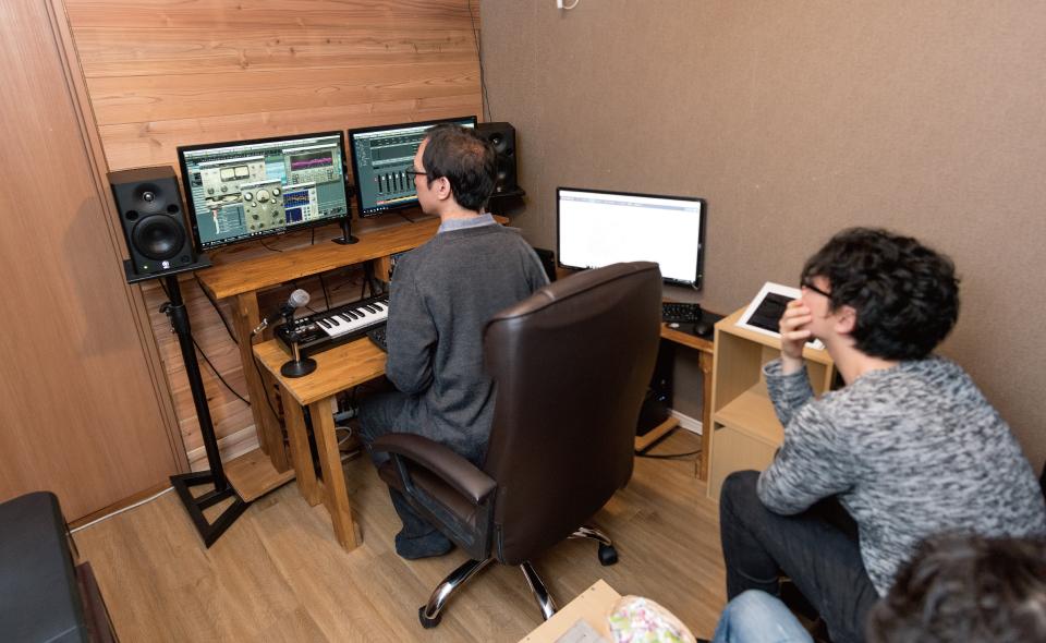 上野横浜多治見にあるボーカルナレーション専門のレコーディングスタジオ